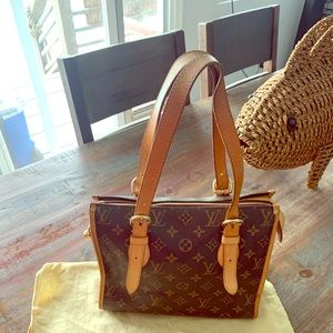 Louis Vuitton pop in court hand bag